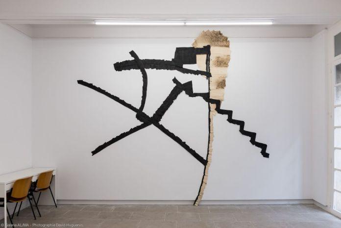 Max Charvolen - A Montpellier, AL/MA, rue de la Valfère, escalier, murs, voute, 416 x 344 cm 2005 - exposition à la galerie ALMA 2019 – photo ©David Huguenin