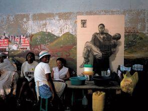 Piéta africaine – Durban 2002 © Ernest Pignon-Ernest