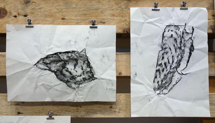 Rayyane Tabet – Basalt Shards, 2017 - Fragments - Carré d'Art - Photo En revenant de l'expo !