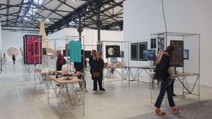 SulSolSal + Contributeurs - Staying Alive 2016-2018 - A School of Schools – Luma Arles - Vue de l'exposition - Photo En revenant de l'expo !
