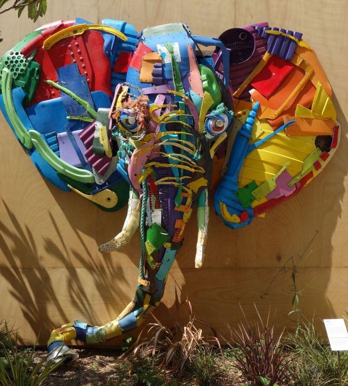 BordaloII - Plastic Elephant, 2018 - Bêtes de scène à la Villa Datris - Welcome to the Jungle