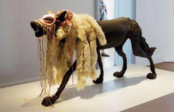 Katia Bourdarel - Je suis une louve, 2012 - Bêtes de scène à la Villa Datris - Langages Animaliers