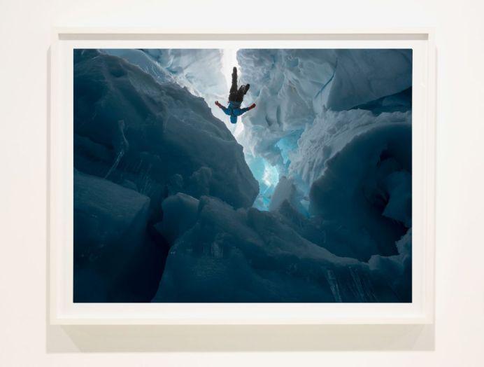Lucas Foglia - Kenzie in a Crevasse, Juneau Icefield Research Program, Alaska 2016 - Sur Terre - Image, technologies & monde naturel - Rencontres Arles 2019