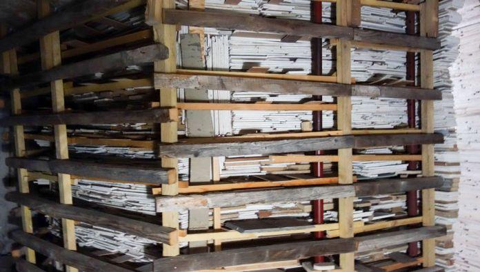 Marjan Teeuwen - Destroyed House - Les Rencontres Arles 2019 - Installation à Croisière - Photo En revenant de l'expo !