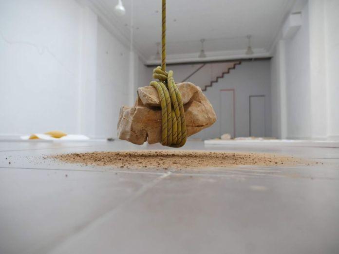 gethan&myles - Grounded / bondage rocks - Lines / The distance between us au Studio Fotokino - Marseille - photo © gethan&myles