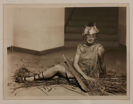 Man Ray - Bal au château des Noailles, vers 1929 - Man Ray, photographe de mode - Musée Cantini - Bals, extravagances et célébrités