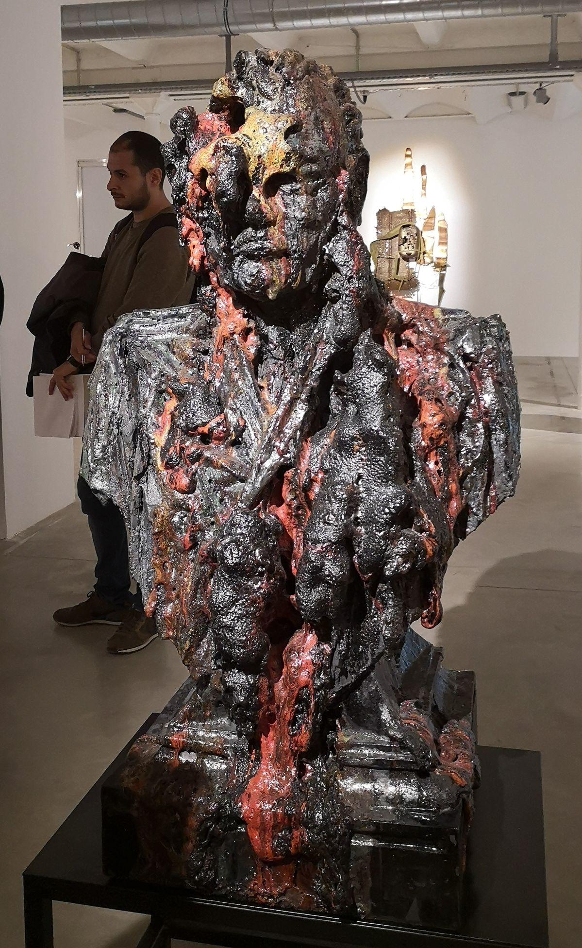 Anne Wenzel - Damaged Goods (Bust; Large-Red #01), 2013 - Street Trash - Friche La Belle de Mai