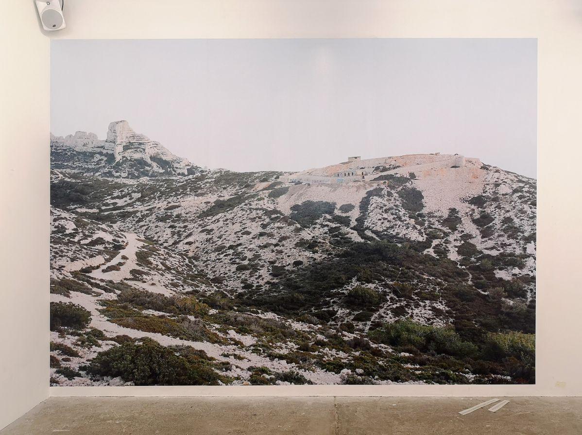 Margret Hoppe - Boulevard Alexandre Delabre, Les Goudes - 43°13'00,2''N 5°20'52,2''E - Südwall (Le mur de la Méditerranée) - Friche la Belle de Mai