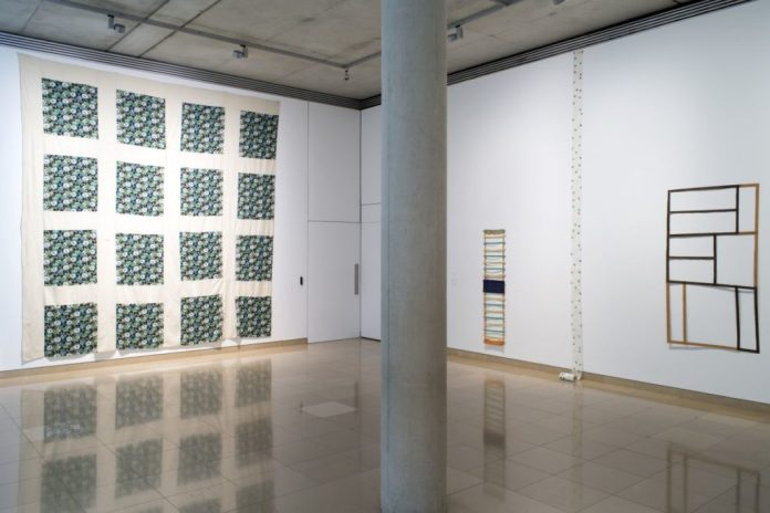 Accrochage 2020 de la collection à Carré d'Art - Salle 1 Jean-pierre Pincemin, Claude Viallat, Daniel Dezeuze et Noël Dolla - Photo (c) C. Eymenier