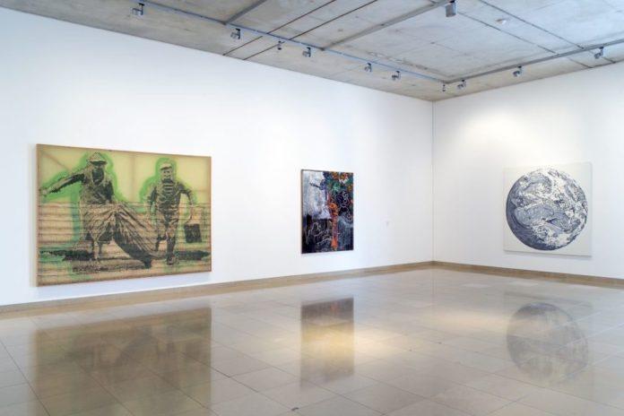 Accrochage 2020 de la collection à Carré d'Art - Salle 3- Sigmar Polke, Alain Jacquet Photo (c) C. Eymenier