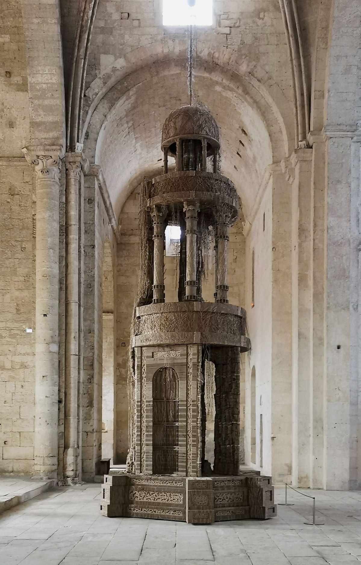 Eva Jospin – Cénotaphe à l'abbaye de Montmajour à Arles - Vue du croisillon nord
