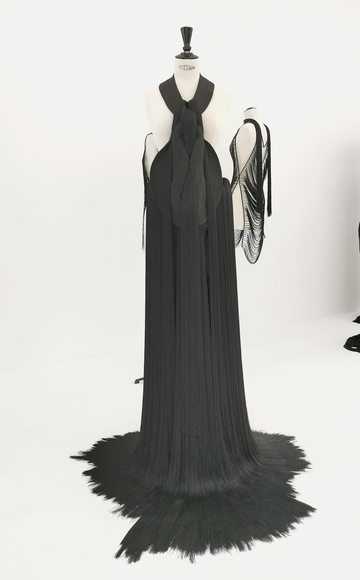 Jeanne Vicerial - Séries Armors - Arachné, 2020 - Des Vies - ¡ Viva Villa ! 2020 - Les vies minuscules à la Collection Lambert, Avignon