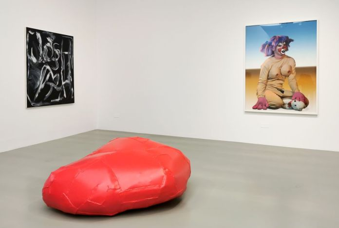 Josh Smith - Untitled, 2004 - Franz West - Sitzskulptur, 2004 et Cindy Sherman - Untitled #419, 2004 - Collection Cranford au MOCO Montpellier