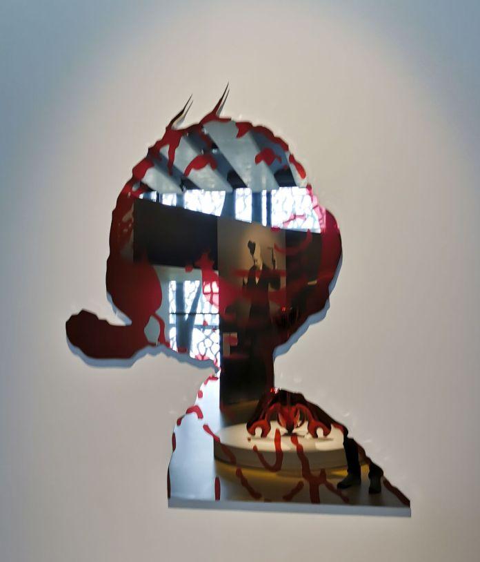 Jeff Koons - Olive Oyl (Red), 2004-2009 - Jeff Koons au Mucem - Œuvres de la Collection Pinault - Salle 9 - vue de l'exposition