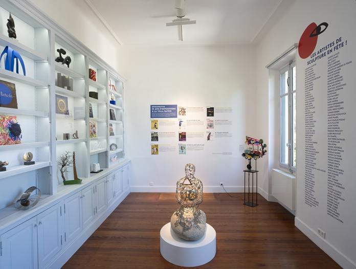 Sculpture en fête ! Les dix ans de la Collection Villa Datris - Vue de l'exposition au rez-de-chaussée. Photo Villa Datris