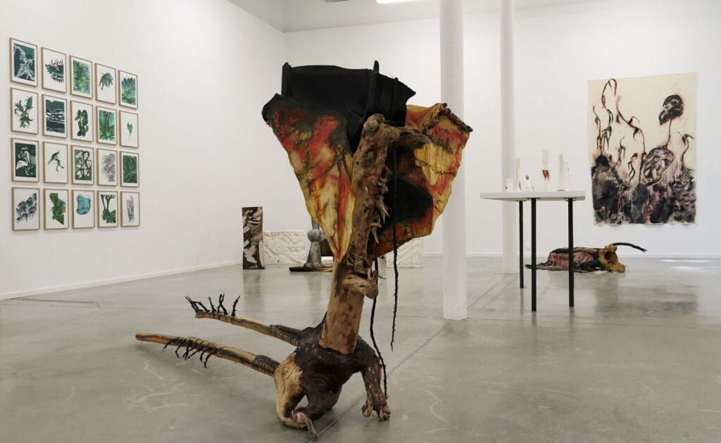 Symbiose et totems - SOL ! La biennale du territoire au MOCO Panacée