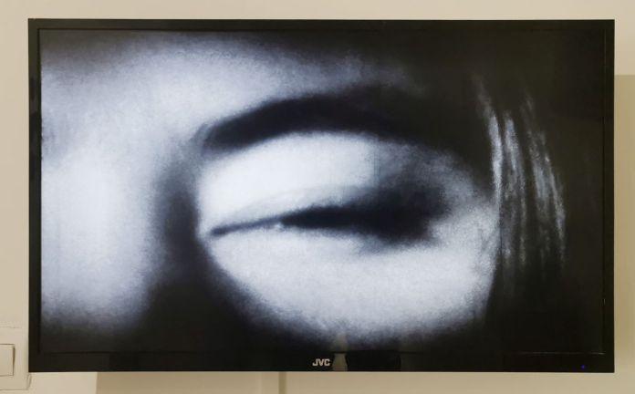 Yoko Ono - Eyeblink (1962) - Under the same sky à l'Aire - Arles