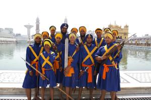 Gruppo di Sikh al Golden Temple
