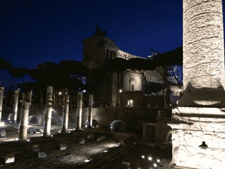 monumento a vittorio emanuele roma noche
