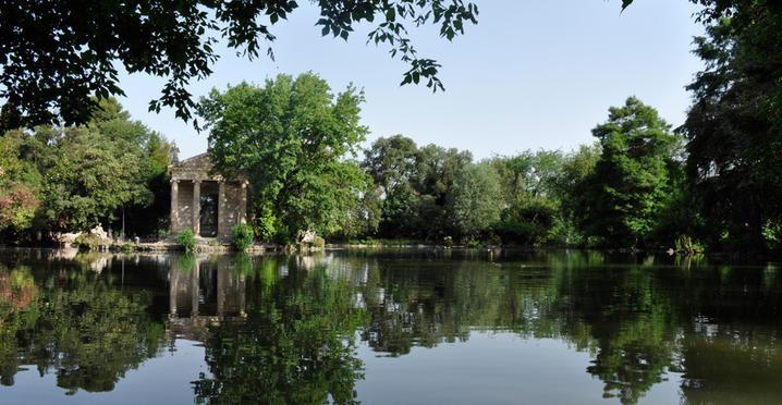 lago villa borghese