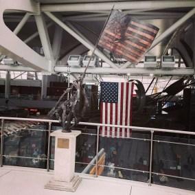A JFK airport : encore un drapeau américain