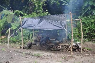 Avec une machette, les Scouts du Vanuatu arrivent à faire des miracles !!