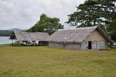 La maison communautaire à Vao