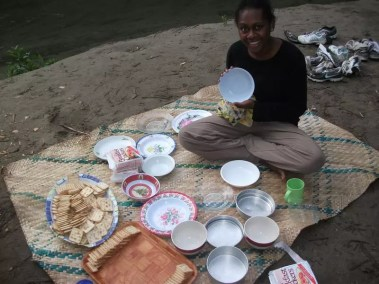 C'est l'heure du goûter avec les Scouts du Vanuatu