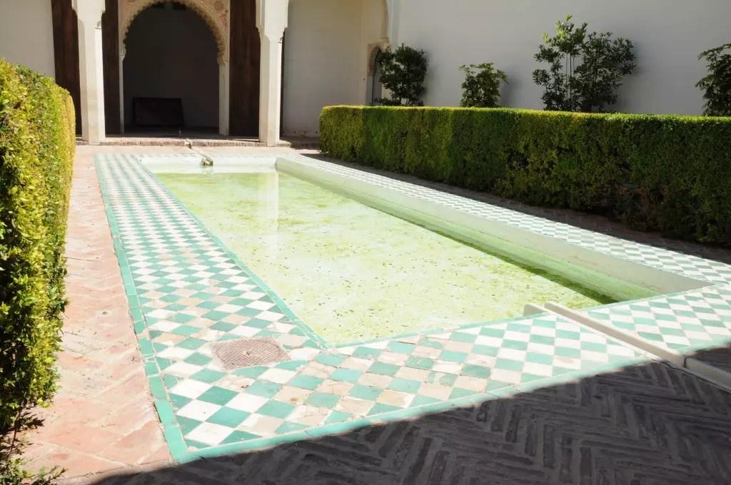 alcazaba-teatro-romano-bassin-eau