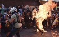 Por qué el Papa se hizo el loco con la quema de negros en Venezuela-, por Sant Roz