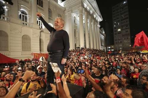 Lula, favorito para ganar la presidencia de Brasil con 39% de intención de voto