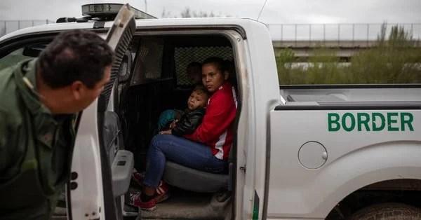 Monstruoso!: Miren lo que hacen quienes nos quieren dar AYUDA HUMANITARIA!... En instalaciones de EE UU en la frontera matan a los detenidos con problemas médicos…