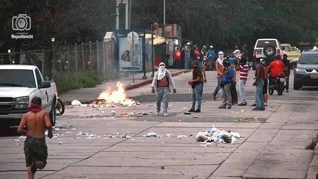 OJO: Rondón no ha peleado, pero lo están escoñetando!: el odio se lleva a otro chavista en Mérida…