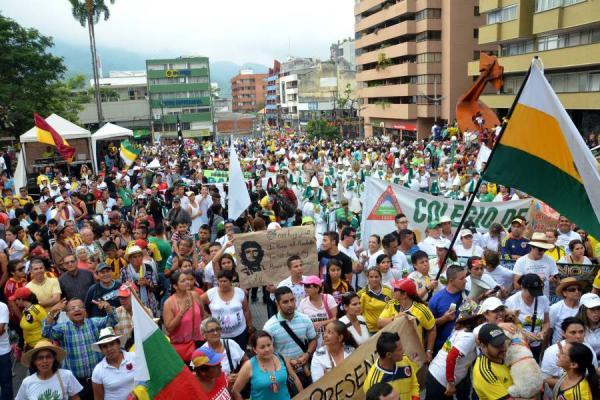 Marcha Carnaval en Ibagué, Colombia, apoya a Venezuela...