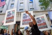 Justicia gringa se niega a condenar a los policías que torturaron al negro Eric Garner. Ese es el país que viven hablando de que defiende los derechos humanos... ASESINOS!...