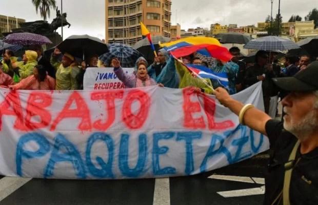 Lenin Moreno, cagado y con paquetazo contra el pueblo...