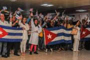 Retornan a Cuba la misiones médicas expulsadas de Ecuador y Bolivia