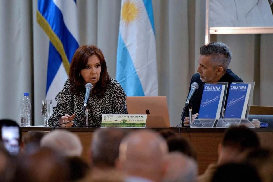 """Cristina Fernández de Kirchner  presenta su libro """"Sinceramente"""" en la Feria Internacional de la Habana"""