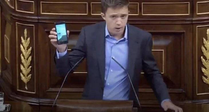 Diputado de la izquierda española, Íñigo Errejón, desmonta el mito del emprendurismo y revela cuánta presencia estatal hay en un iPhone