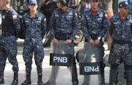 ¿SABIA USTED QUE...?Policias Nacionales  matraquean  vulgarmente en las carreteras de nuestro país