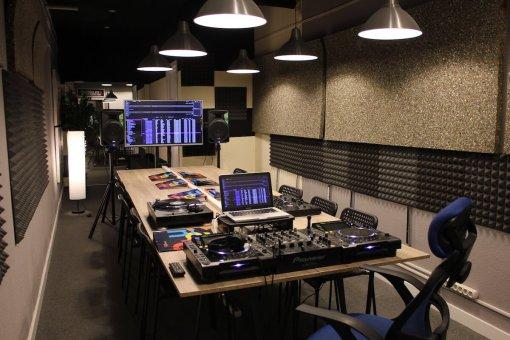 Curso DJ Madrid Atocha Conde de casal Pacífico