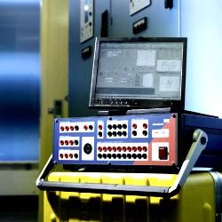 Unidad de prueba de reles y calibrador CMC 256plus