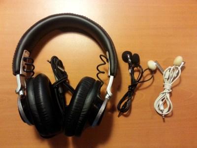 Casque et écouteurs du test