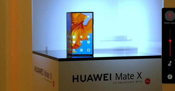 Huawei Mate X: Quality images show folding smartphone