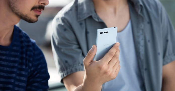 Sony ponders building a '' full screen '' Sony Xperia