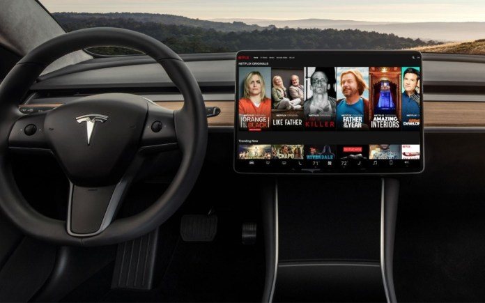"""Tesla V10: New update brings support for Netflix, YouTube and even """"Caraoke""""! (video)"""