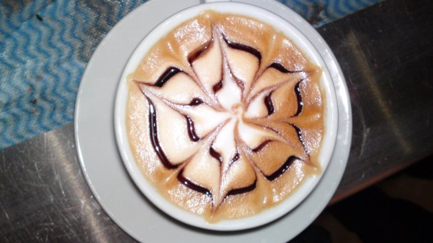 latte art: English rose 1