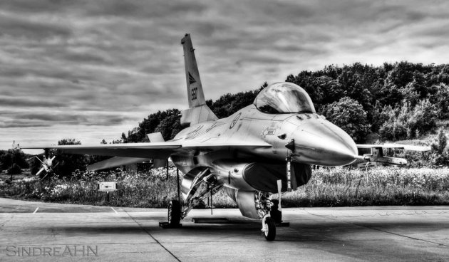 HDR of F-16AM 660