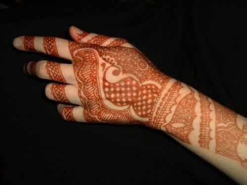 indian mehndi design for back hand