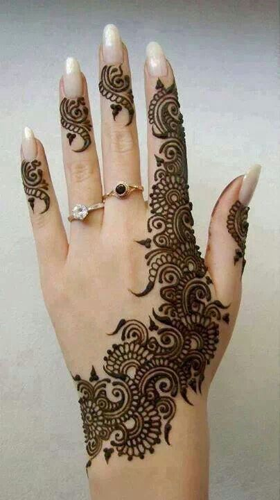 beautiful hand mehndi design for eid